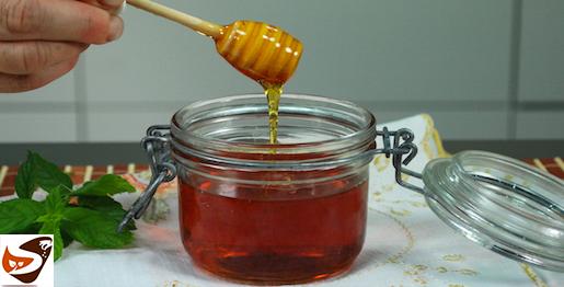 Salsa al caramello: ricetta per decorazioni e dolci al cucchiaio