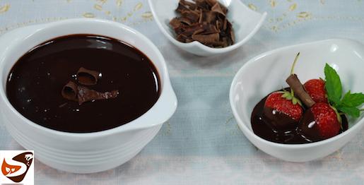 Salsa al cioccolato: ganache per profiteroles e panna cotta