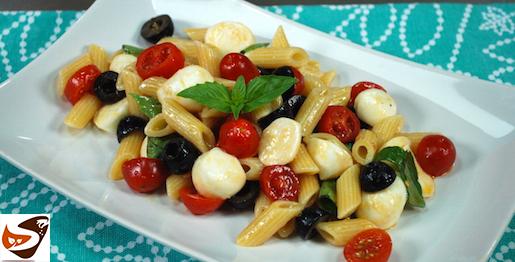 Pasta fredda, insalata veloce con pomodori e mozzarella