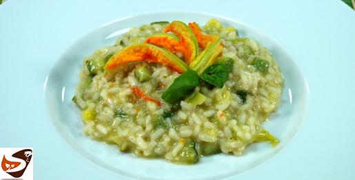 Risotto con zucchine: un primo leggero e gustoso, facile da fare