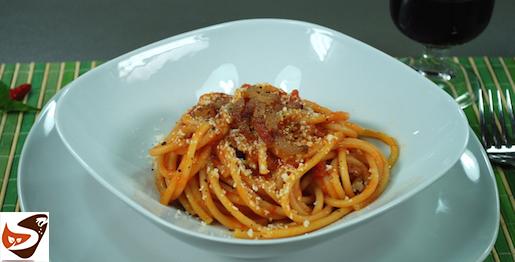 Bucatini all'amatriciana, la pasta originaria di  Amatrice – Primi piatti (Italian spaghetti)