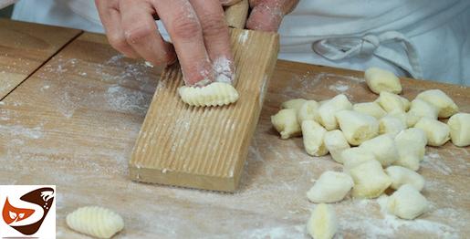 Gnocchi di patate, fatti in casa in modo semplice e veloce – Primi piatti