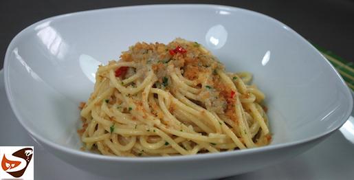 Pasta con la mollica, ricetta facile da fare e gustosissima – Primi piatti veloci (Cena della Vigilia di Natale)